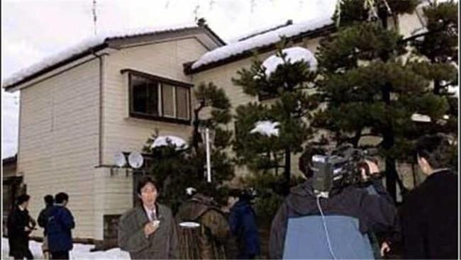Vụ bắt cóc kỳ quái nhất Nhật Bản: Con gái đột ngột biến mất, mẹ tưởng con chết rồi lại thấy ở... nhà hàng xóm - Ảnh 3.