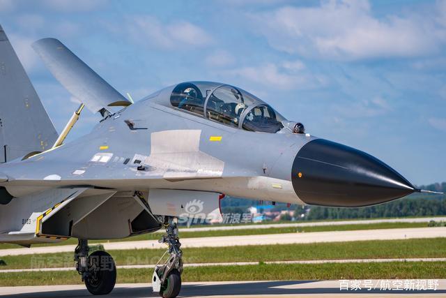 Trung Quốc chê trình độ chế tạo máy bay Nga dưới mức trung bình - ảnh 1