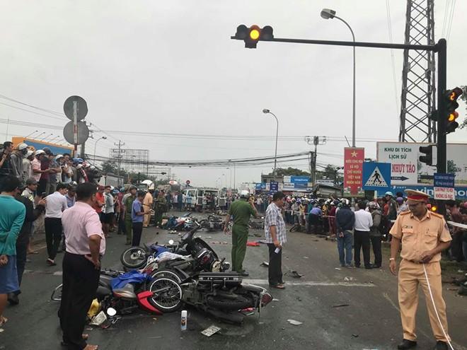 TS Thủy: Từ tai nạn thảm khốc ở Long An nói cấm xe máy là không hiểu biết về giao thông - Ảnh 2.