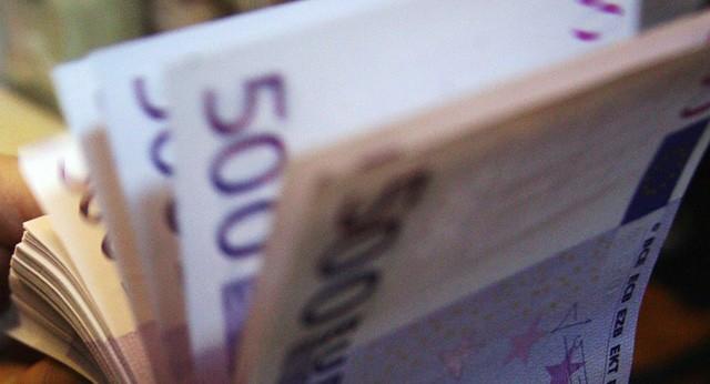 Lý do không ngờ khiến tờ 500 euro bị khai tử  - Ảnh 1.