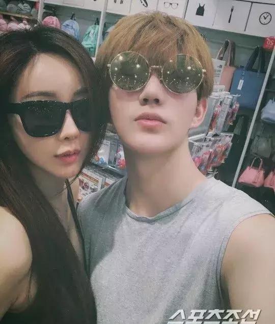 Hôn nhân viên mãn của Hoa hậu Hàn Quốc U50 và hot boy đáng tuổi con - Ảnh 1.