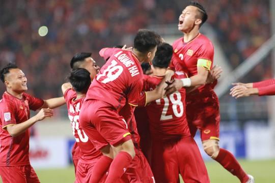 Làm gì để bóng đá Việt Nam đạt đẳng cấp châu Á: Chuyên nghiệp hóa cung cách quản lý - Ảnh 1.