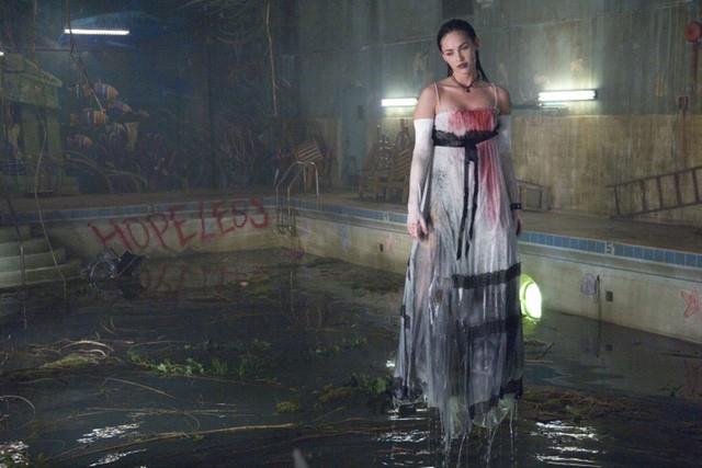 7 nữ sát nhân có tiếng của làng phim kinh dị, xinh đẹp nhưng không ai dám yêu - Ảnh 2.