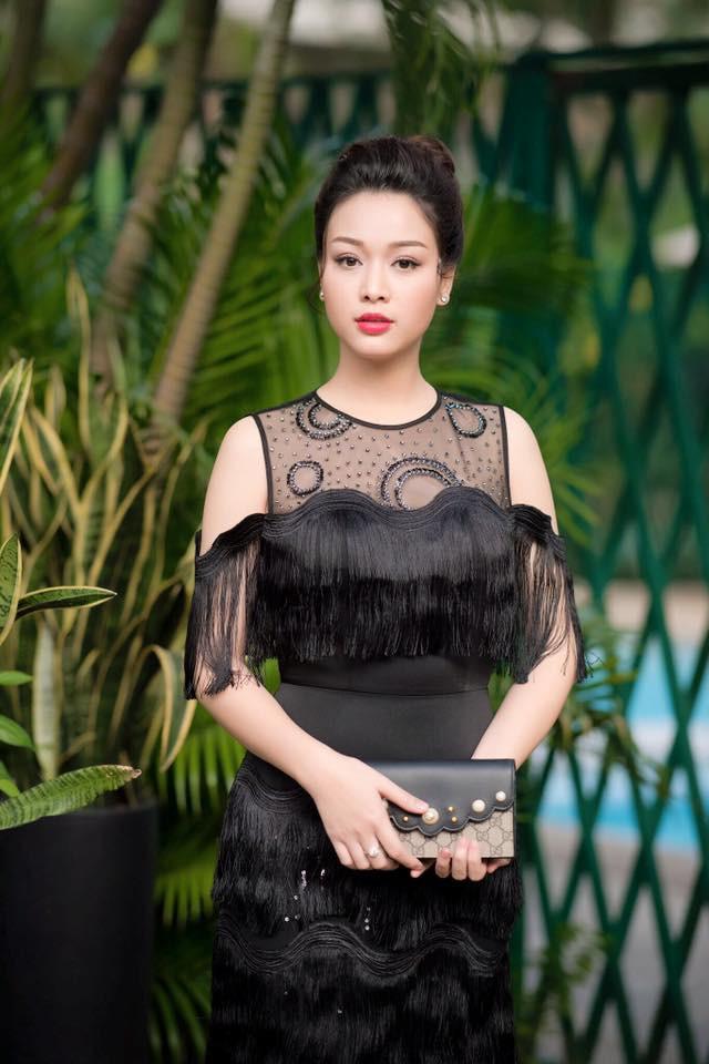 Người đẹp Hoa hậu Việt Nam khánh thành biệt thự 5 sao đón Tết 2019 - Ảnh 1.