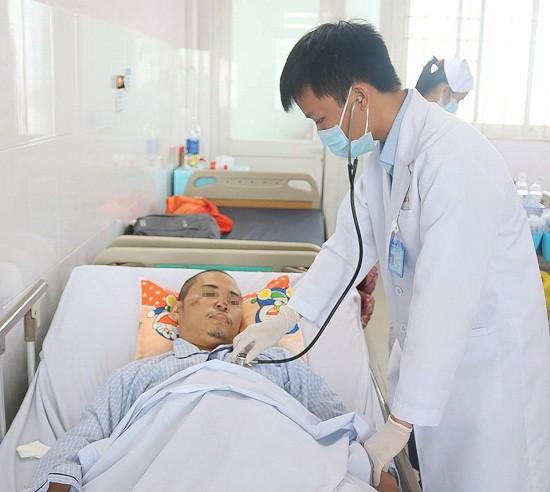 Bệnh nhân chấn thương sọ não kèm vỡ gan được cứu sống ngoạn mục - Ảnh 1.