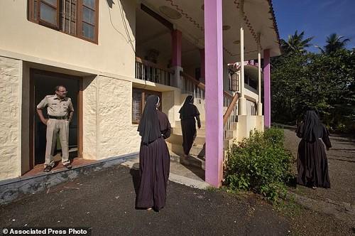 Nữ tu bị linh mục hãm hiếp tại khắp các nhà thờ ở Ấn Độ: Sự im lặng đáng sợ suốt nhiều thập kỷ - Ảnh 4.