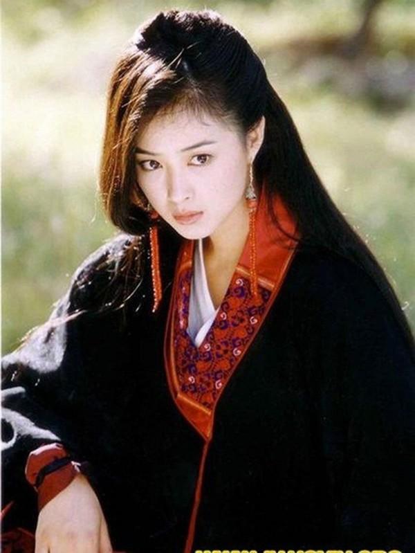 Đâu chỉ có Địch Lệ Nhiệt Ba, Tân Cương còn là vùng đất sản sinh ra hàng loạt mỹ nữ đẹp nghiêng nước nghiêng thành - Ảnh 16.
