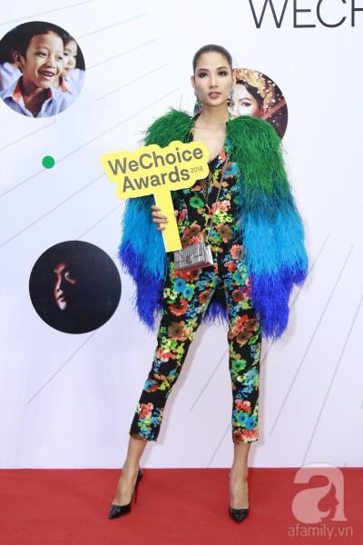 HHen Niê xinh đẹp, Hoàng Thùy chiếm spotlight của hàng loạt mỹ nhân khi diện áo lông bất chấp thời tiết trên thảm đỏ Wechoice - Ảnh 3.