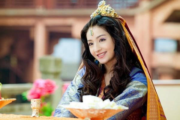 Đâu chỉ có Địch Lệ Nhiệt Ba, Tân Cương còn là vùng đất sản sinh ra hàng loạt mỹ nữ đẹp nghiêng nước nghiêng thành - Ảnh 25.