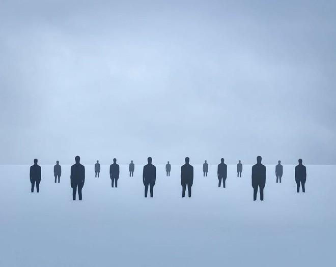 Nhìn cuộc đời qua con mắt của người trầm cảm với bộ ảnh siêu thực từ nghệ sĩ Gabriel Isak - Ảnh 5.
