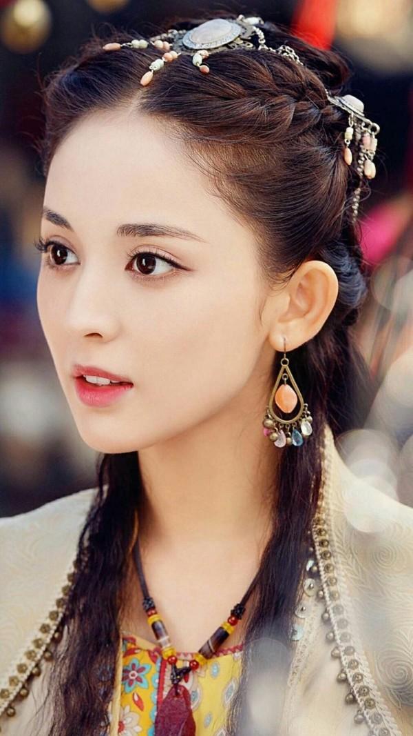 Đâu chỉ có Địch Lệ Nhiệt Ba, Tân Cương còn là vùng đất sản sinh ra hàng loạt mỹ nữ đẹp nghiêng nước nghiêng thành - Ảnh 9.