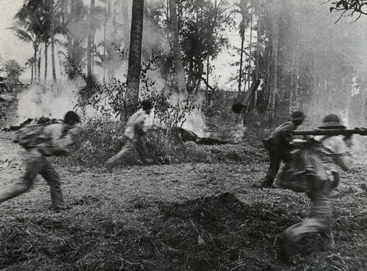 Chuyện làm phim về Khmer Đỏ: Hãy để những hình ảnh khủng khiếp này nói lên sự thật - Ảnh 4.