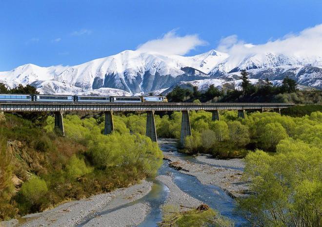 Nat Geo công bố danh sách 12 tuyến đường sắt nhất định phải đi thử một lần trong đời - Ảnh 11.