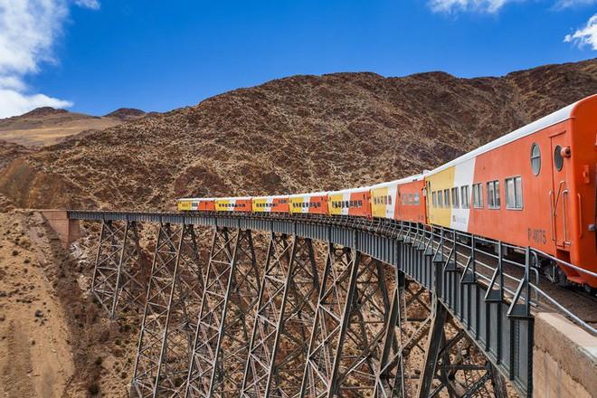 Nat Geo công bố danh sách 12 tuyến đường sắt nhất định phải đi thử một lần trong đời - Ảnh 6.