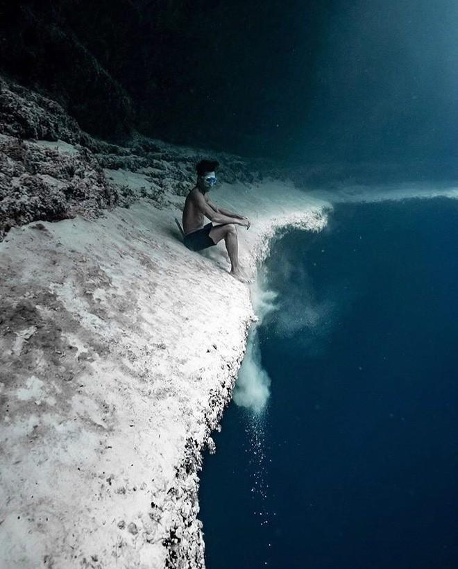 Đại dương không hề đẹp đẽ như ta tưởng, đó còn là nỗi ám ảnh kinh hoàng với 7% người trưởng thành ở Mỹ - Ảnh 1.