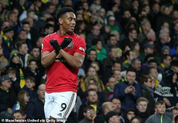 Vô duyên với 2 quả pen từ VAR, Man United vẫn bay cao trên BXH Premier League - Ảnh 12.