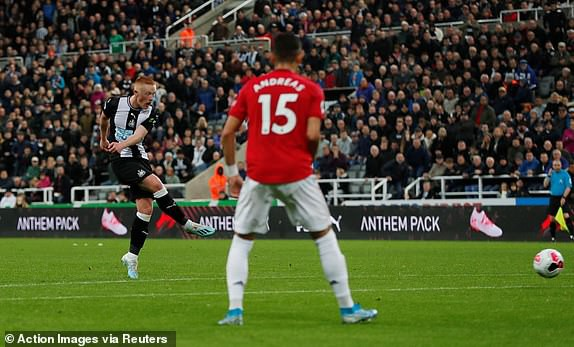 Thua mất mặt trước Newcastle, Man United tiến gần nhóm xuống hạng Premier League - Ảnh 3.