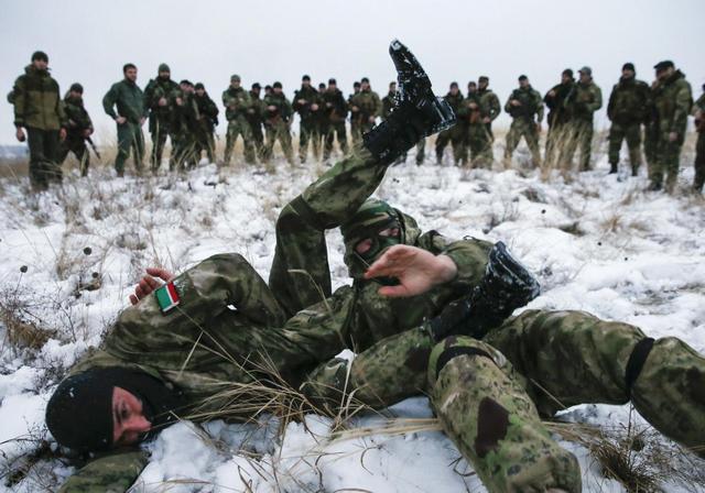 Sói Kavkaz cả gan trêu Gấu Nga ở Syria: Đặt trong tầm ngắm cần thẳng tay tiêu diệt - Ảnh 6.