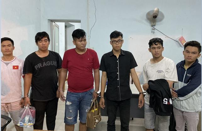 Bắt băng nhóm giả Cảnh sát hình sự gây ra hơn 20 vụ cướp tài sản ở vùng ven Sài Gòn  - Ảnh 1.