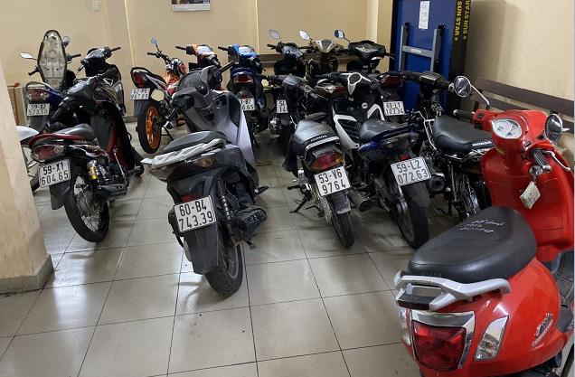 Bắt băng nhóm giả Cảnh sát hình sự gây ra hơn 20 vụ cướp tài sản ở vùng ven Sài Gòn  - Ảnh 2.