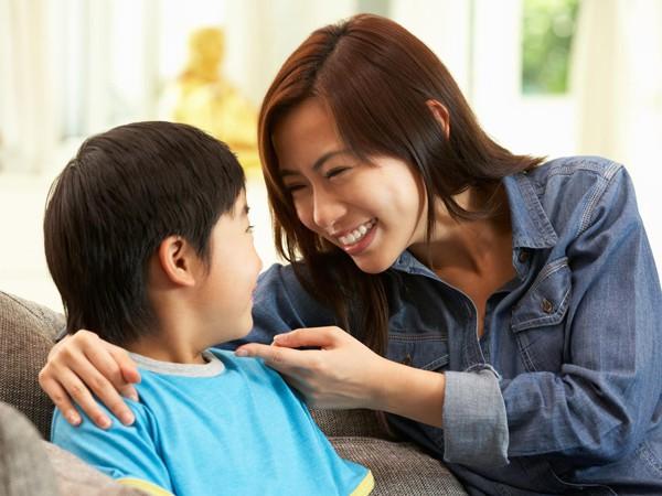 Cha mẹ nên tạo điều kiện để trẻ có cơ hội được rèn luyện và phát triển các bài học, kĩ năng quan trọng ngay từ tấm bé. (Ảnh minh họa)