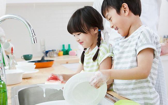 Muốn con trưởng thành hơn và luôn luôn hạnh phúc, cha mẹ hãy dạy con những kỹ năng cơ bản này ngay từ tấm bé - Ảnh 6.