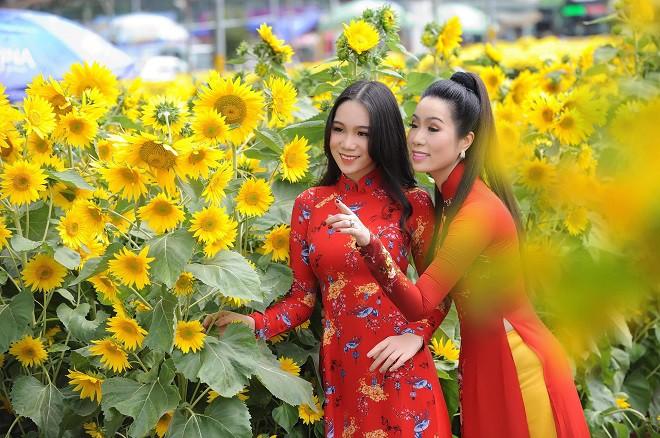16 tuổi, con gái NSƯT Trịnh Kim Chi đã cao 1m72 và xinh đẹp như hot girl - Ảnh 8.