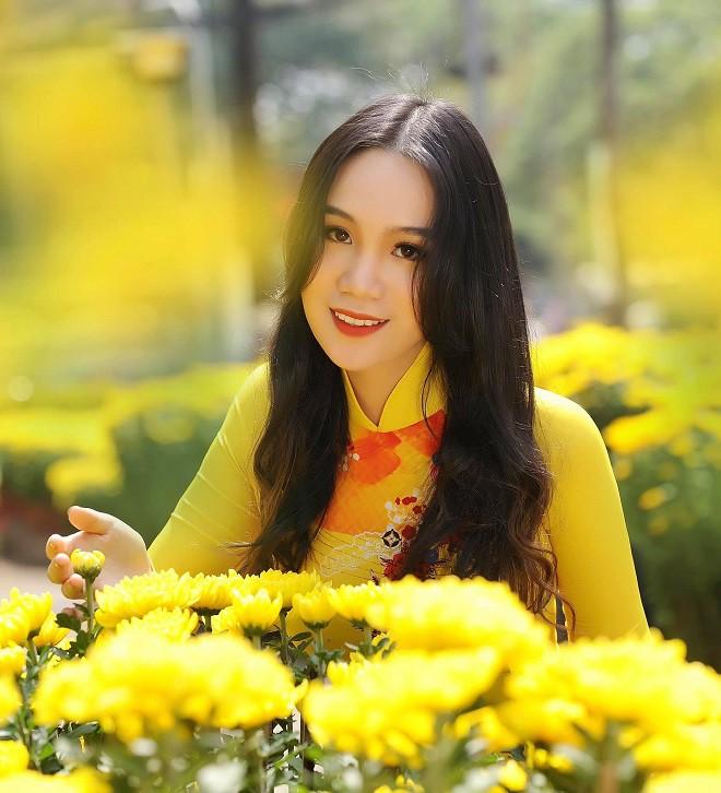 16 tuổi, con gái NSƯT Trịnh Kim Chi đã cao 1m72 và xinh đẹp như hot girl - Ảnh 1.