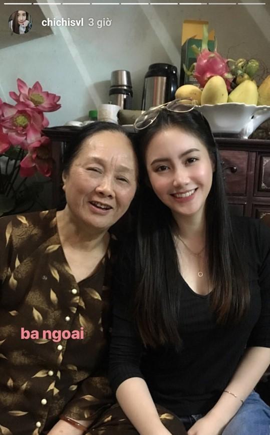 Nhan sắc gợi cảm của đệ nhất hot girl Lào vừa về Việt Nam ăn Tết, đăng ảnh check-in gây sốt - Ảnh 9.