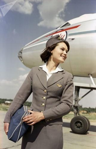 Ảnh: Nhan sắc ngọt ngào của các nữ tiếp viên hàng không Nga và Xô viết - Ảnh 1.