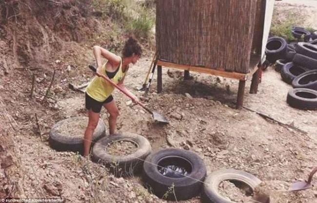 Cuộc sống hạnh phúc của cặp vợ chồng trẻ mất 1 năm và 250 triệu để tự xây nhà từ vỏ chai và lốp xe - Ảnh 11.