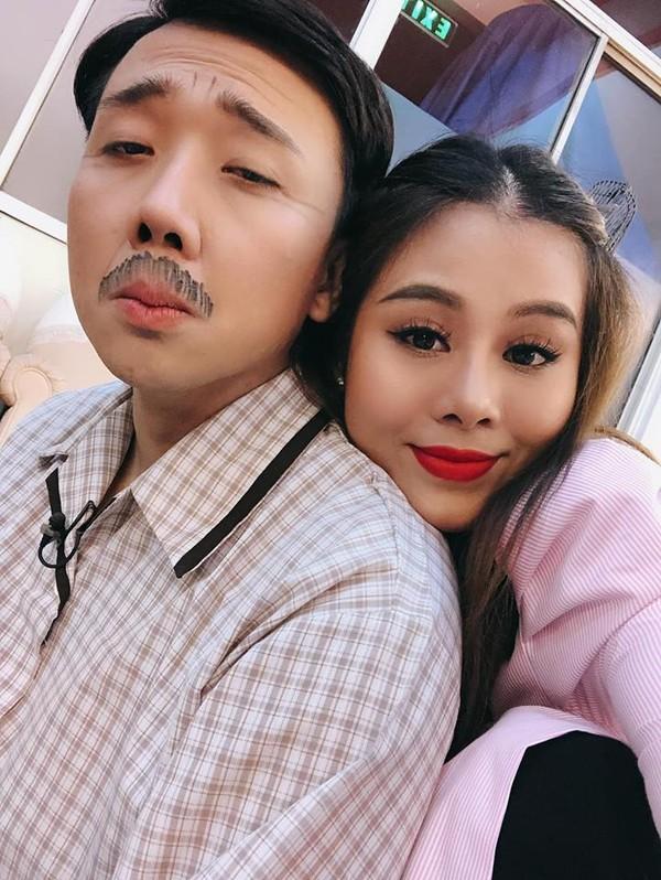 Trấn Thành ở đâu, làm gì giữa ồn ào phim Tết 2019 Trạng Quỳnh - Cua lại vợ bầu lên đến đỉnh điểm? - Ảnh 12.