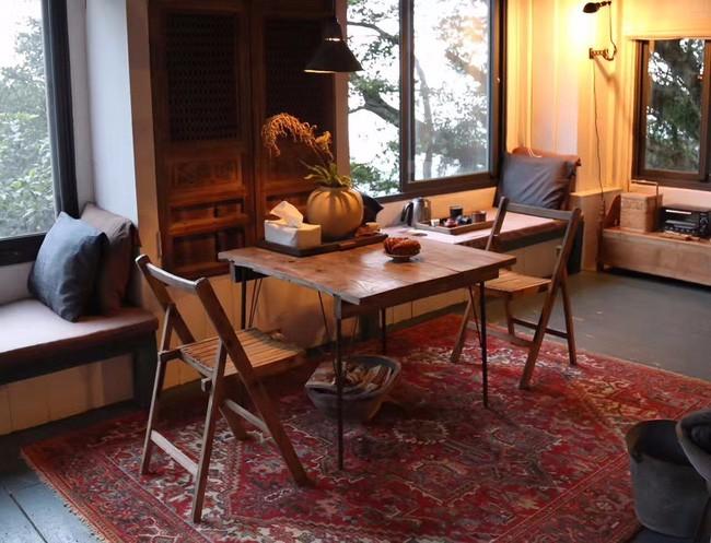 Ngôi nhà 40 năm tuổi rêu phong, cũ kỹ trên triền núi ấm áp tình thân của gia đình trẻ - Ảnh 15.