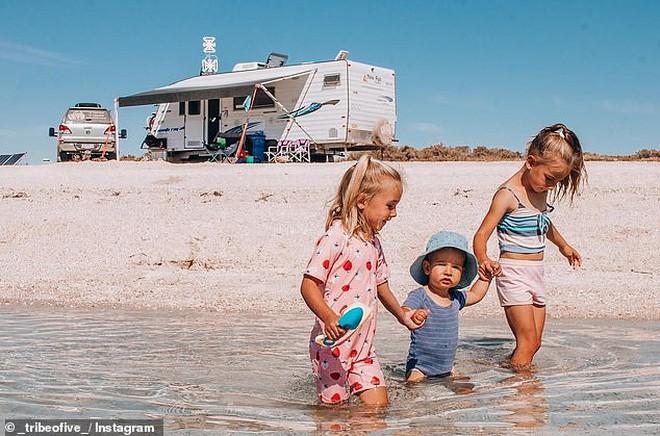 Đời không là mơ: Gia đình Úc vật lộn trở về cuộc sống thực sau 1 năm rong ruổi khắp nước trên xe tải - Ảnh 5.