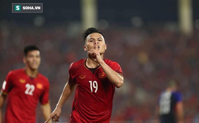 Nhìn giọt nước mắt của Quế Ngọc Hải, sao lại muốn Quang Hải buông SEA Games 2019? - Ảnh 1.