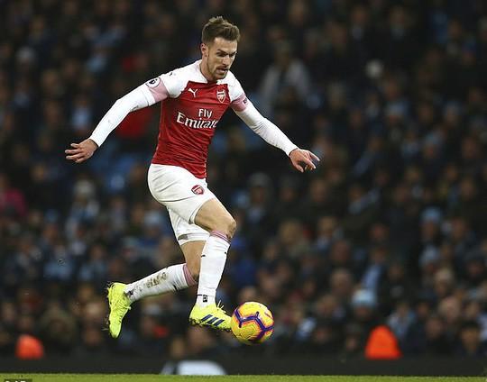 Chia tay Pháo thủ, Ramsey nhận lương cao kỷ lục - Ảnh 2.