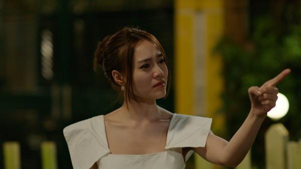 Phim trăm tỷ mùa Tết - Cua lại vợ bầu và Siêu sao siêu ngố có thực sự là tuyệt phẩm của điện ảnh Việt? - Ảnh 14.