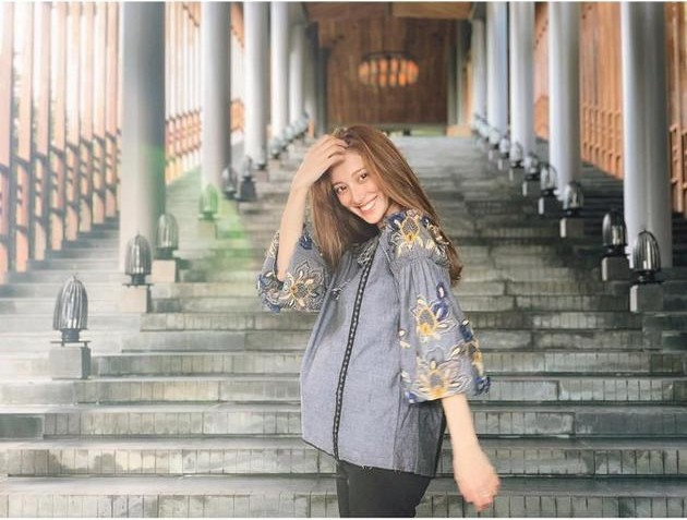 Tiếp tục đến Việt Nam nghỉ dưỡng, Hoa hậu Hong Kong khoe khéo bụng bầu 7 tháng với tài tử Trịnh Gia Dĩnh - Ảnh 6.