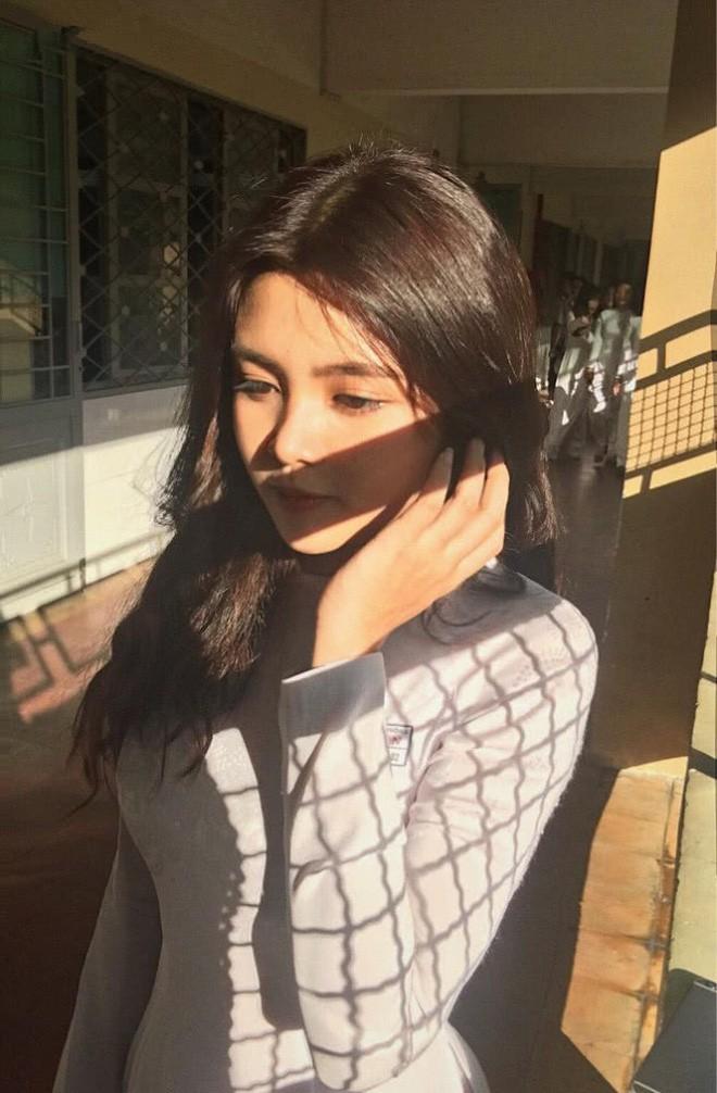 Báo Trung phát sốt về một nữ sinh Việt mặc áo dài, khen ngợi nhan sắc xinh đẹp đủ tầm tham gia showbiz - Ảnh 6.