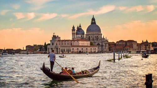 Điểm đến mùa Valentine: Hội An lọt top những địa điểm lãng mạn nhất thế giới do CNN bình chọn - Ảnh 10.