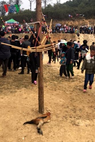 Tưng bừng sắc xuân trong lễ hội Gầu Tào - Ảnh 2.