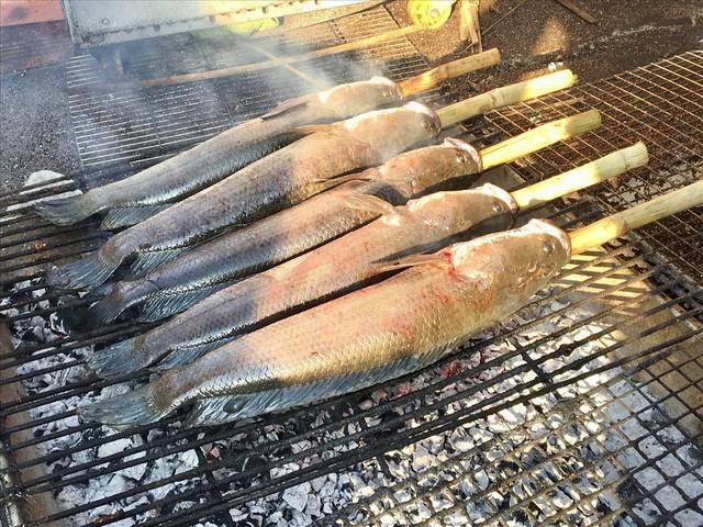 TPHCM: Đổ xô mua cá lóc nướng ngày vía Thần Tài - Ảnh 7.