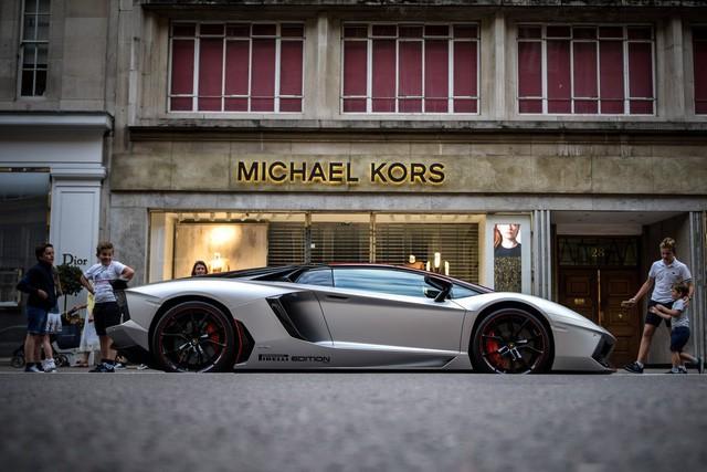 Lời trần tình của nhân viên bán Lamborghini: Đừng đuổi một cậu bé 19 tuổi ra khỏi showroom - Ảnh 4.