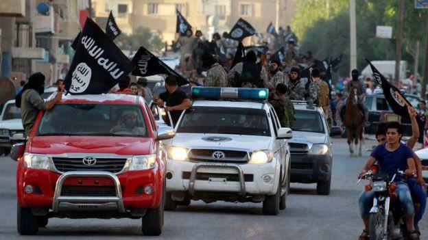 Còn bao nhiêu tay súng IS trụ lại ở Iraq và Syria?  - Ảnh 1.