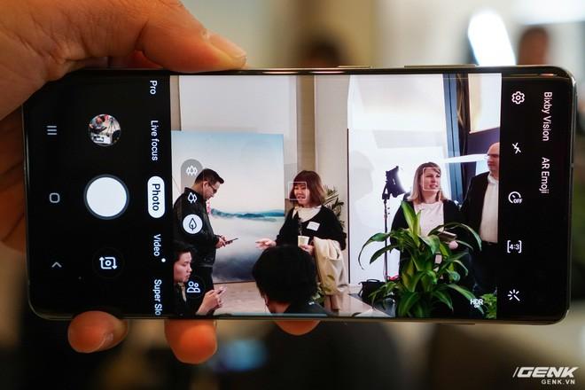 Trên tay Galaxy S10 và S10+: Bước ngoặt mới trong thiết kế smartphone - Ảnh 14.