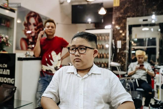 Người Hà Nội rủ nhau đi cắt miễn phí kiểu tóc giống Tổng thống Donald Trump và nhà lãnh đạo Kim Jong-un - Ảnh 8.