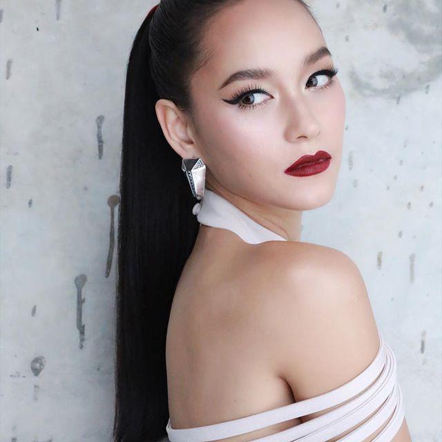 Những quý cô U40 cực phẩm của showbiz Thái: Đẹp, quyền lực, toàn yêu đại gia - ảnh 1