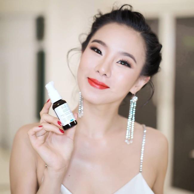 Những quý cô U40 cực phẩm của showbiz Thái: Đẹp, quyền lực, toàn yêu đại gia - ảnh 14