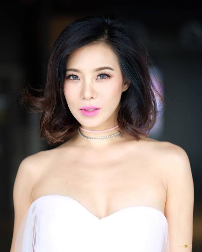 Những quý cô U40 cực phẩm của showbiz Thái: Đẹp, quyền lực, toàn yêu đại gia - ảnh 16