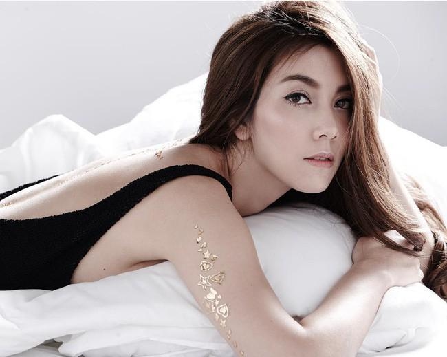 Những quý cô U40 cực phẩm của showbiz Thái: Đẹp, quyền lực, toàn yêu đại gia - ảnh 22